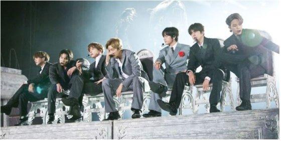 1년 2개월간 월드 투어에 나선 방탄소년단(BTS)이 서울 잠실에서 '러브 유어셀프' 마지막 콘서트를 열었다. /사진제공=빅히트 엔터테인먼트<br>