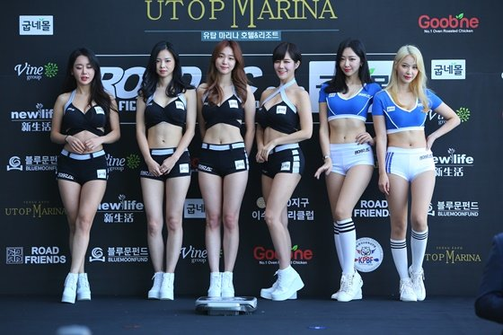 왼쪽부터 로드걸 김이슬, 김보람, 심소미, 한혜은, 신혜리, 임지우. /사진=로드 FC