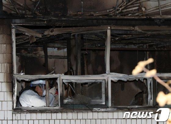 2018년 11월9일 국일고시원 화재 현장/뉴스1 © News1 박세연 기자