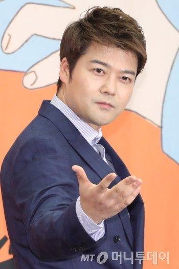 '공개연애' vs '비밀연애'…전현무가 불붙인 '논쟁'