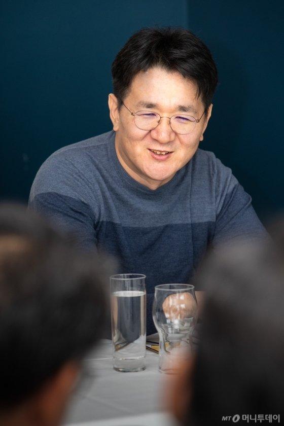 조원태 한진그룹 회장이 19일(현지시간) 미국 뉴욕에서 한국 특파원들과 간담회를 하고 있다./ 사진=대한항공