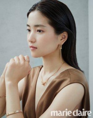 김태리, 연말 모임의 '주인공 룩'…주얼리 화보 공개