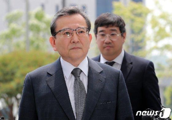 '별장 성접대와 뇌물 의혹사건' 정점에 있는 김학의 전 법무부 차관/뉴스1 © News1 이재명 기자