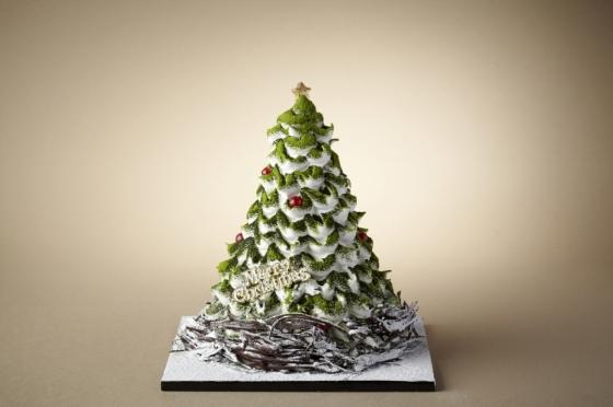 눈 내린 크리스마스 트리를 형상화한 서울신라호텔의 '화이트 홀리데이 트리' 케이크. /사진=신라호텔