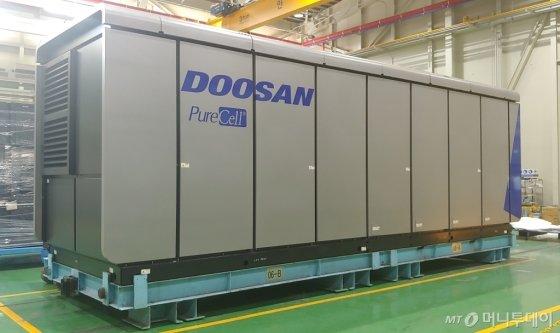 두산퓨얼셀의 수소연료전지 제품 'M400'/사진=두산퓨얼셀