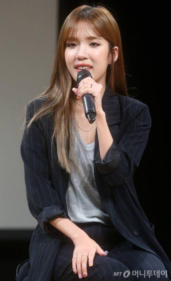 가수 김나영이 18일 오후 서울 청담동 일지아트홀에서 첫 정규앨범 쇼케이스를 갖고 있다. / 사진=홍봉진기자 honggga@
