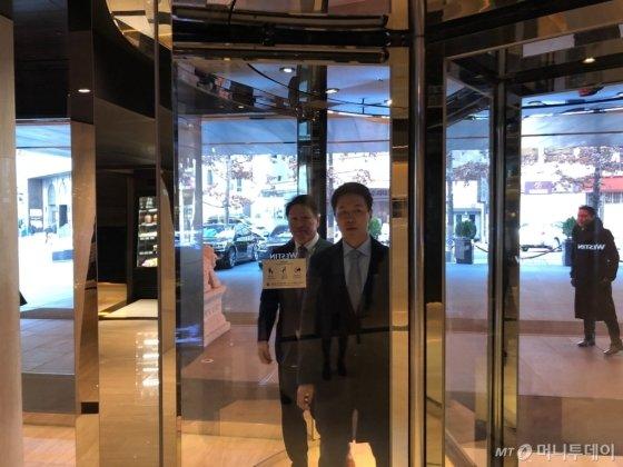최태원 SK그룹 회장이 노소영 아트센터 나비 관장의 이혼 맞소송 이후 첫 공식석상에 나섰다./사진=이정혁 기자