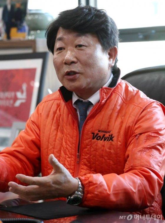 28일 문경안 볼빅 회장 인터뷰 / 사진=홍봉진기자 honggga@