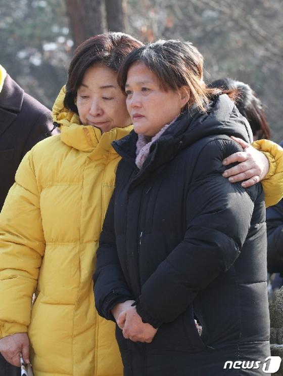 [사진] 김용균 어머니 위로하는 심상정 대표