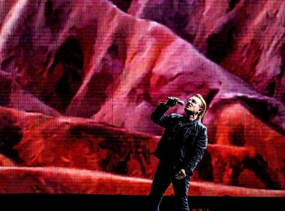 세계적인 록밴드 U2의 보컬 보노. /사진제공=라이브네이션코리아