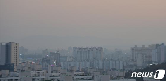 내일 수도권·충북 미세먼지 '관심' 경보…비상저감조치 발령