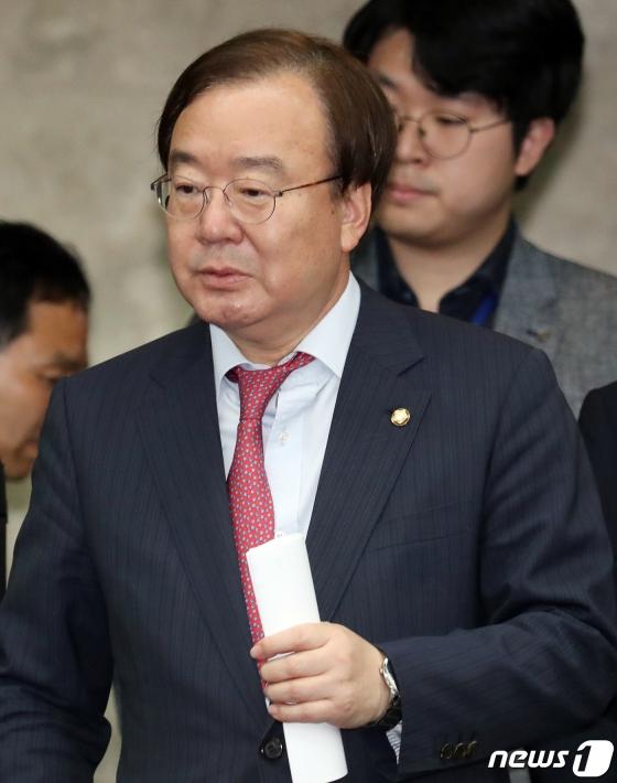 '민식이법' 반대표 강효상…