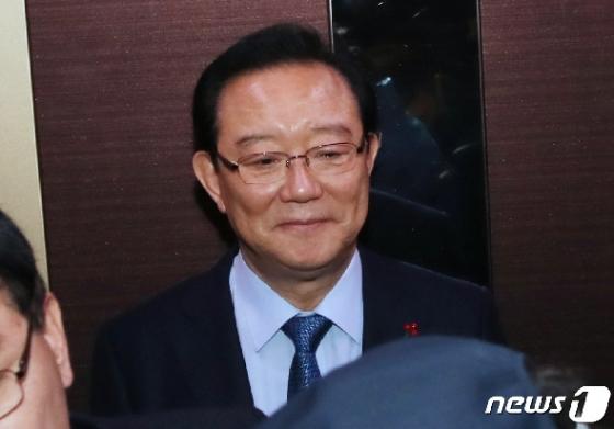 '하명수사' 커지는 의혹…靑-송병기 선거 전 왜 만났나