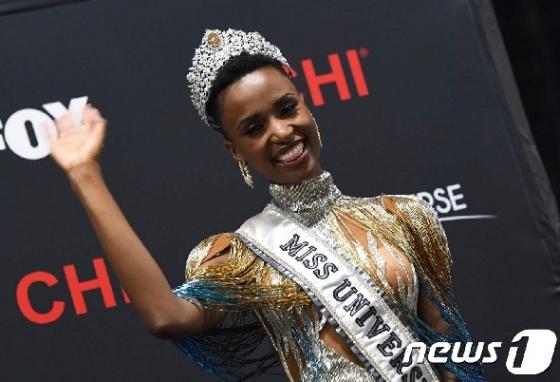 '미스 유니버스' 왕관, 남아공 머리에…8년만에 흑인