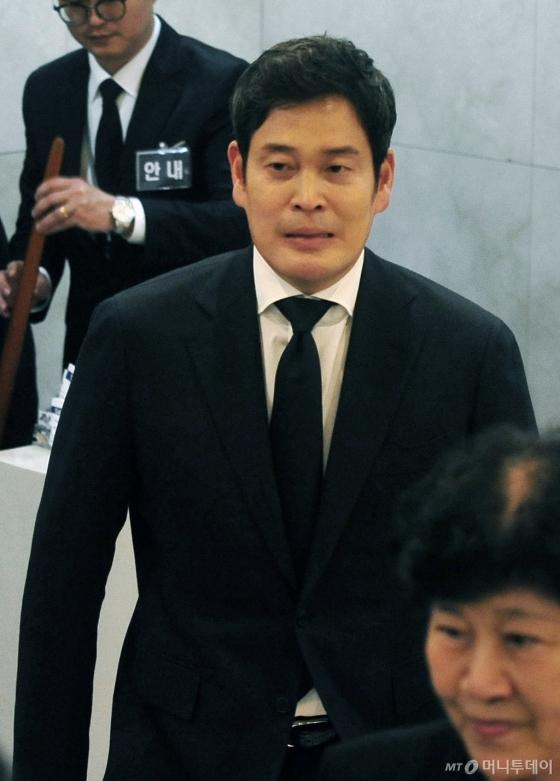 [사진]고 김우중 전 회장 빈소 찾은 정용진 부회장