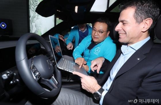 [사진]'벤츠 커텍티드카에 탑재될 기술은?'