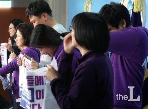 2019년 11월29일 오후 서울 여의도 국회에서 어린이 교통사고 피해자인 고 김태호, 김민식, 이해인 양의 부모가 기자회견하고 있다. / 사진=홍봉진 기자 honggga@