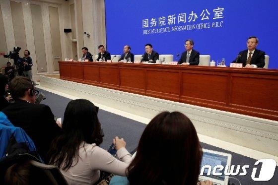 13일 밤 진행된 중국의 미중 무역협상 관련 브리핑. © 로이터=뉴스1