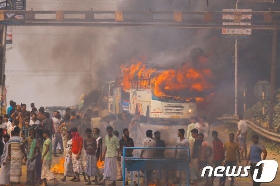 인도, 시민권법 개정 반대 시위로 '몸살'…5명 사망