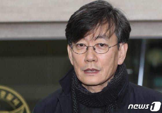 프리랜서 기자 김모씨(49) 폭행하고 협박했다는 의혹을 받는 손석희 JTBC 대표. 2019.2.17/뉴스1