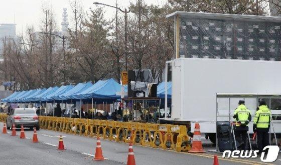 청와대 앞 범투본 농성장 모습 © News1 민경석 기자