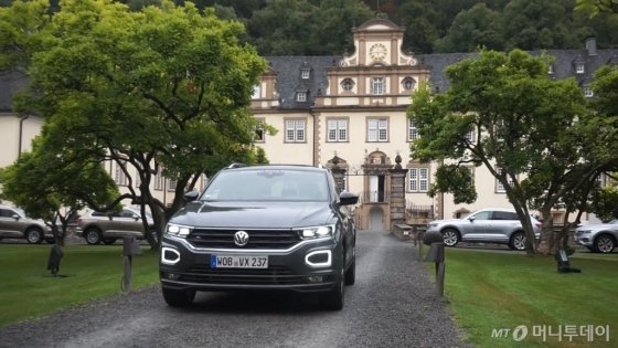 지난해 9월 독일 프랑크푸르트와 쾰른 등의 구간에서 폭스바겐의 소형 SUV(다목적스포츠차량) '티록'(T-ROC)을 체험했다./사진=이건희 기자
