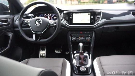 첨단 운전자 보조 시스템도 '차로 유지 시스템', '전방 모니터링 시스템' 등이 탑재돼 안전함을 더했다./사진=이건희 기자