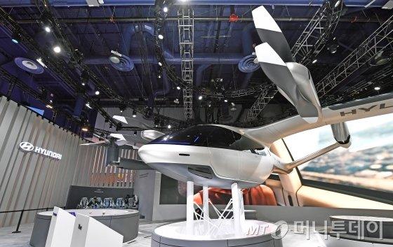현대차가 글로벌 모빌리티 기업 우버와의 협업으로 제작한 개인용비행채(PAV) 콘셉트 'S-A1'/사진제공=현대차