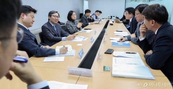 14일 오후 서울 서초구 H2KOREA에서 열린 수소경제로드맵 1주년 관련 지상좌담회. / 사진=이기범 기자 leekb@