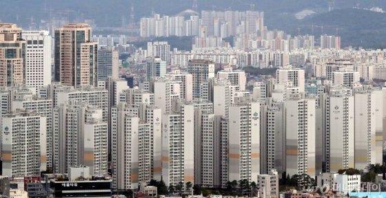 서울 송파구 일대 아파트 전경/사진= 김창현 기자