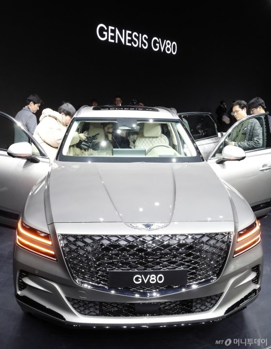 럭셔리 플래그십 SUV 'GV80'은 제네시스가 처음 선보이는 후륜구동 기반의 대형 SUV 모델이다. /사진=김창현 기자