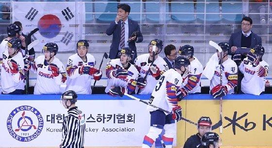 2019 레거시컵 대회 당시 한국 대표팀. /사진=대한아이스하키협회 제공<br> <br>