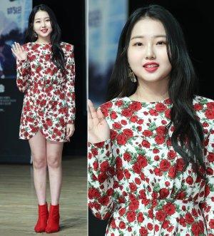 '귀신과 산다' 크리샤 츄, 화려한 장미 원피스…
