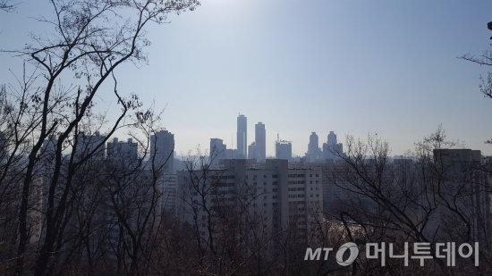양천구 목동 용왕산 근린공원에서 바라본 목동 신시가지 모습 /사진=송선옥 기자
