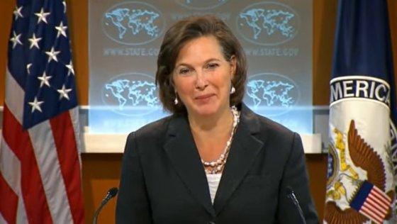 """2012년 3월 10일 미국 국무부 정례 브리핑에서 한국 기자의 """"싸이를 아느냐""""는 질문에 미소짓는 빅토리아 눌런드 당시 국무부 대변인. /사진 = 미국 국무부"""
