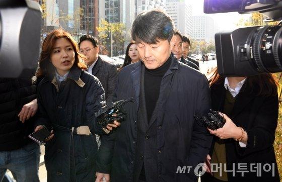뇌물수수 혐의를 받고 있는 유재수 전 부산시 경제부시장 자료사진. / 사진=강민석 기자 msphoto94@