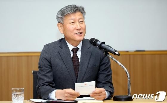 [사진] 모두발언하는 박삼득 국가보훈처장