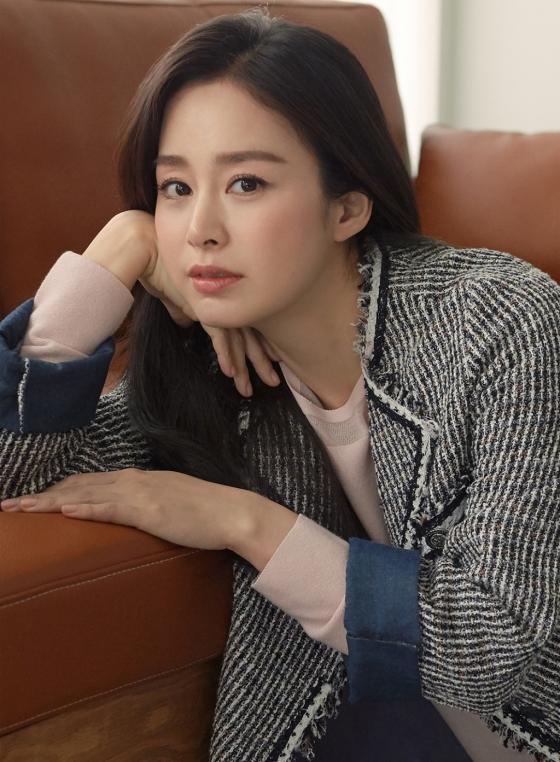 여성복 브랜드 '올리비아로렌' 모델로 발탁된 배우 김태희/사진제공=세정 올리비아로렌