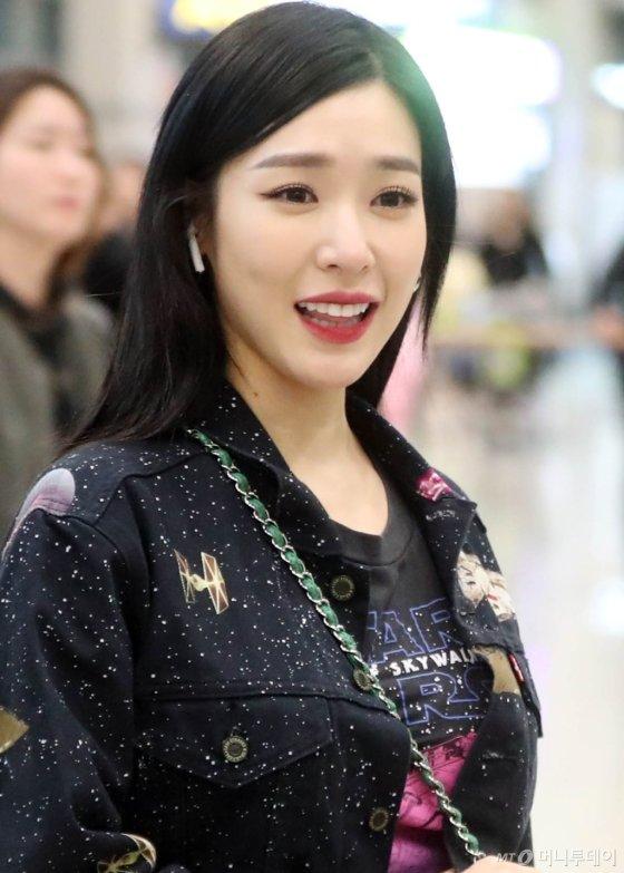 [사진]티파니 영 '팬들과 반가운인사'