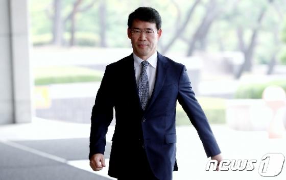 檢 '수사기밀 유출' 판사들 징역형 구형…
