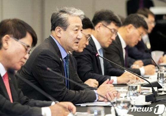 [사진] 박천규 차관, 정책간담회 인사말