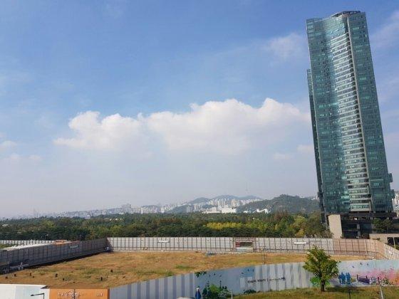서울 성동구 성수동 분당선 서울숲역 인근. 갤러리아포레가 조성돼 있으며 바로 앞에 대림산업 '한숲 e편한세상' 부지가 있다. /사진=신현우 기자