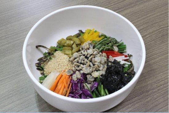 섬진강휴게소의 청매실재첩비빔밥/사진제공=한국도로공사