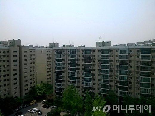 10대 건설사 중 현대건설 출신의 CEO 2명이 거주하고 있는 서울 강남구 압구정동 현대아파트 전경/사진=머니투데이 DB