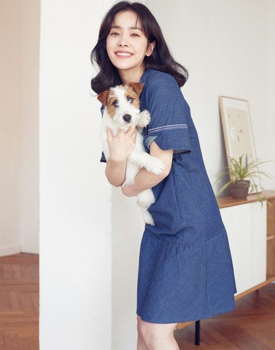 배우 한지민/사진제공=올리비아하슬러