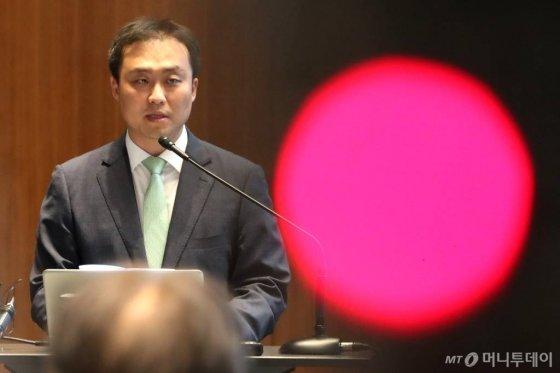 원종준 라임자산운용 대표이사가 지난해 10월14일 오후 서울 여의도 IFC에서 최근 6200억원 규모의 사모펀드 환매 중단 사태와 관련해 브리핑 하고 있다./사진=이기범 기자