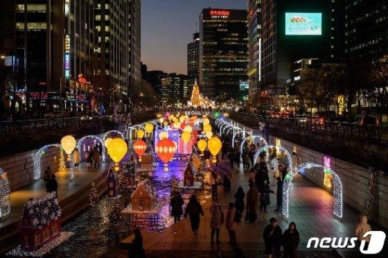 서울 중구 청계천 거리. © AFP=뉴스1