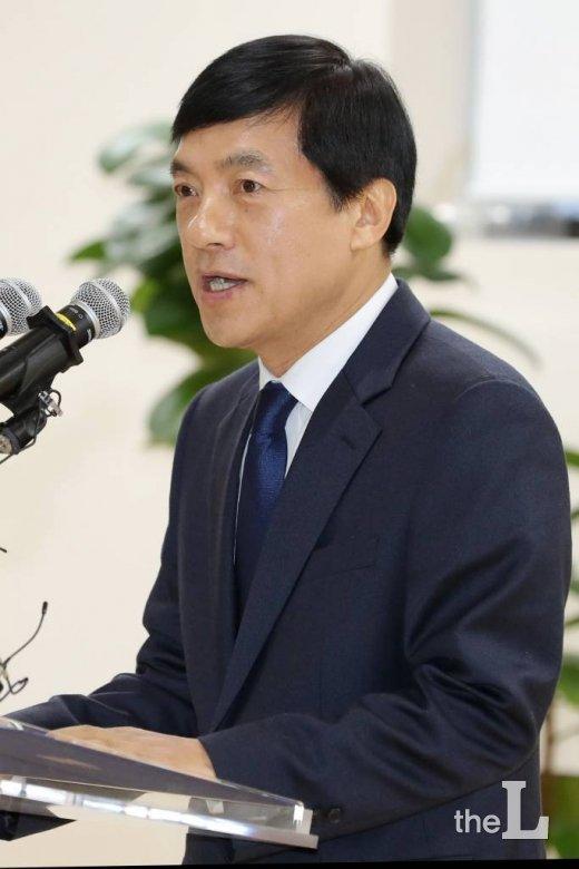 이성윤, '최강욱 관련' 추미애에 먼저 보고 …'윤석열 패싱' 논란