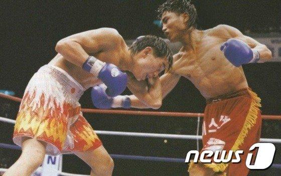최용수 전 WBA(세계복싱협회) 세계챔피언의 경기 장면/사진제공=뉴스1