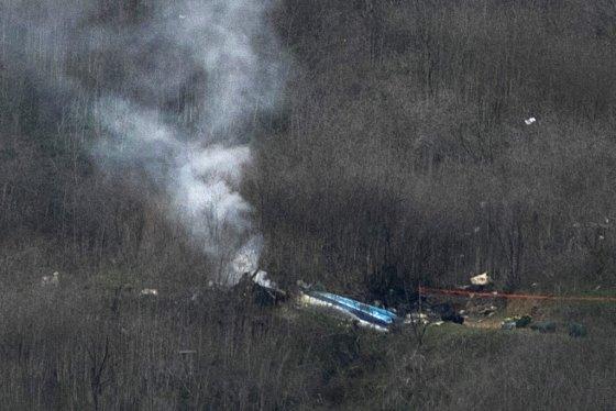 헬기 추락 장면. /사진=AFP